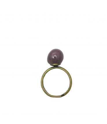 Tolemaide ring with ceramic small marble in eggplant violet