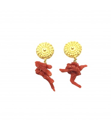Full Of Grace pendent earrings in gold plated 925 silver with coral