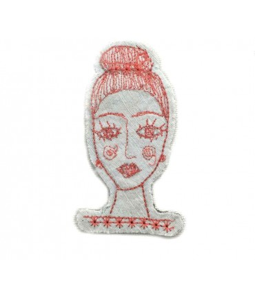 Hand embroidered FRANCESCA NICCHI brooch in cotton with pink thread